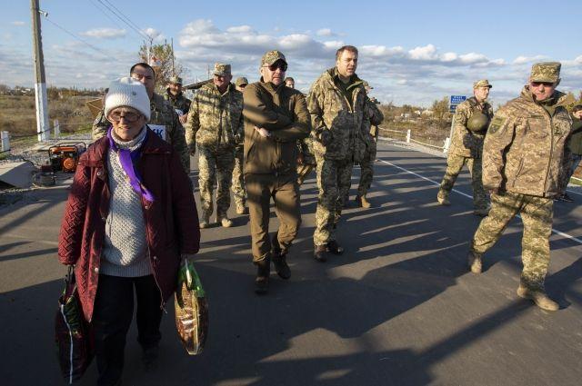 Украина предложит разводить силы на Донбассе по «секторальному принципу»