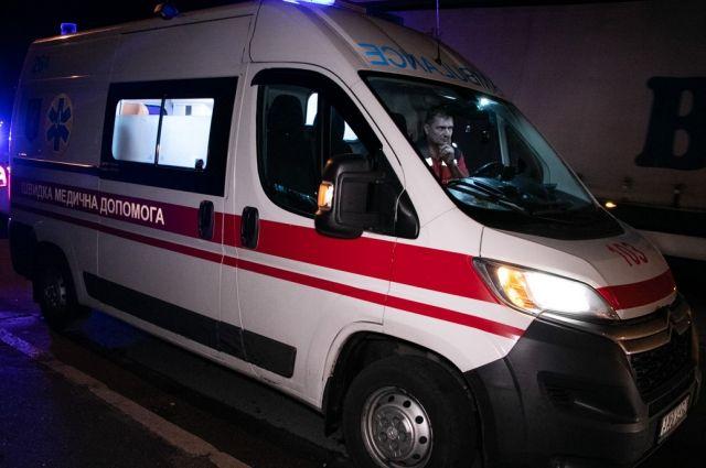 В Киеве, празднуя День рождения, парень выпал из окна восьмого этажа