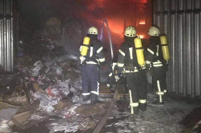 В Одессе произошел пожар на складе: подробности инцидента