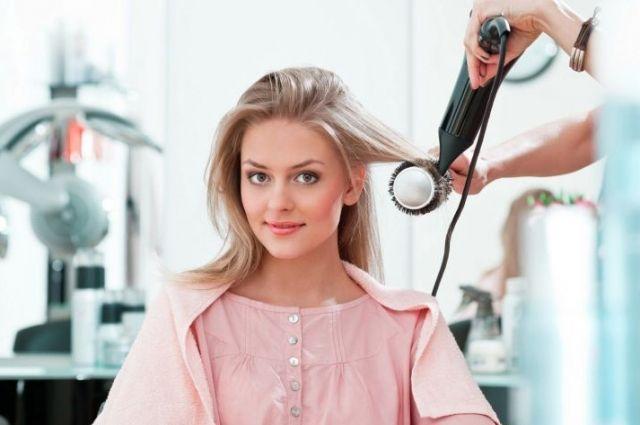 Почему выпадают волосы: причины выпадения и как бороться