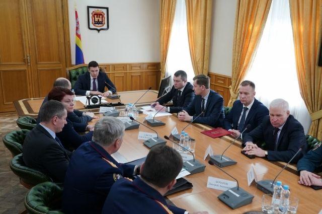 Антон Алиханов встретился с новым главой СУ СКР по Калининградской области