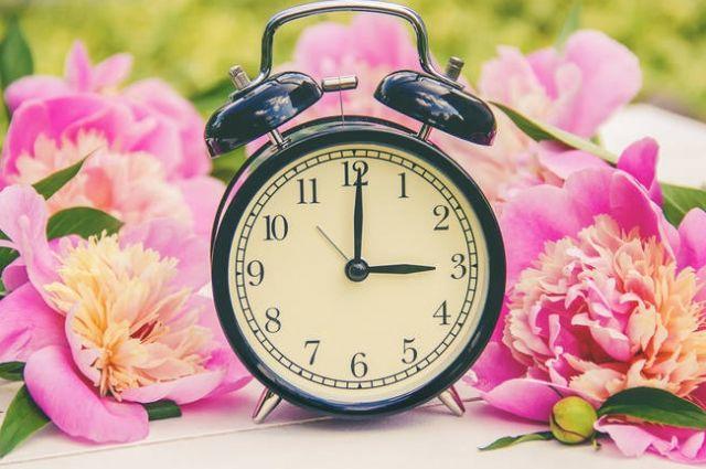 Перевод на летнее время в Украине: дата, как пережить перевод времени