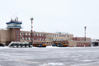 В аэропорту Нового Уренгоя отложили все рейсы из-за метеоусловий