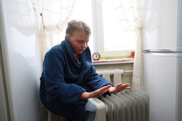Тюменцы на Доме обороны остались без тепла