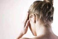 Медики назвали причины головной боли в затылке