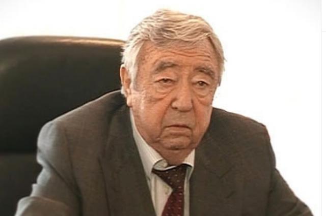 В Оренбурге в последний путь проводили экс-депутата Рэма Храмова.