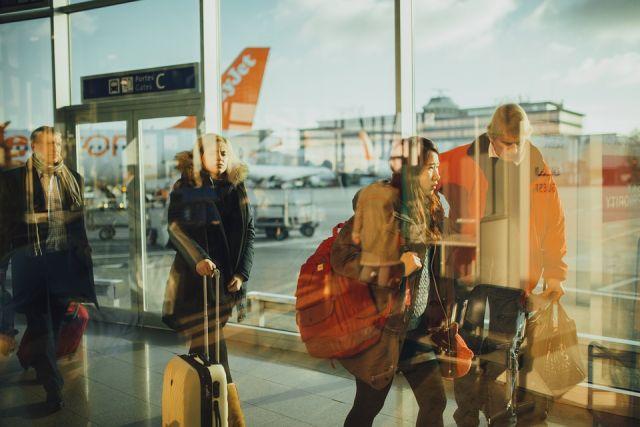 За билеты на некоторые направления покупатели платили больше, чем они отдали бы за них в обычной кассе аэропорта.