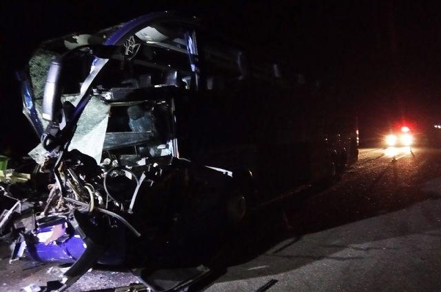 Жуткое ДТП в Николаевской области: пострадали водитель автобуса и 17 пассажиров