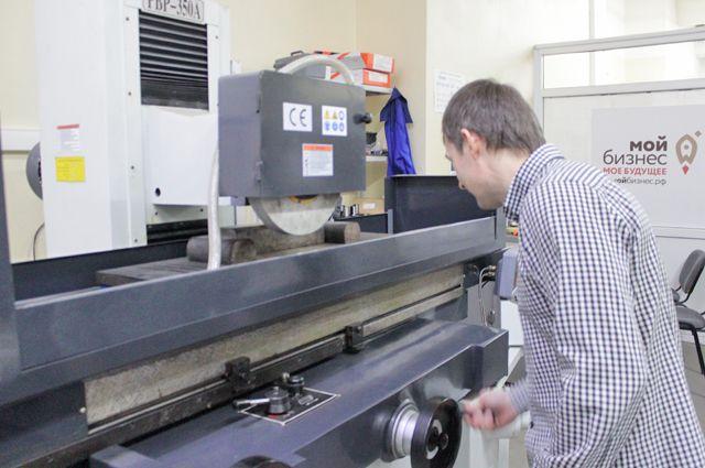 Этот плоскошлифовальный станок – оборудование высокой точности.