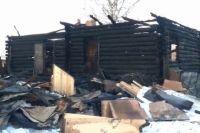 Жилой дом, который также служил временным приютом для животных, сгорел год назад.