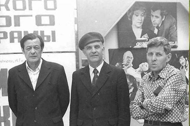Фото из архива семьи. Иван Мазурик в центре.