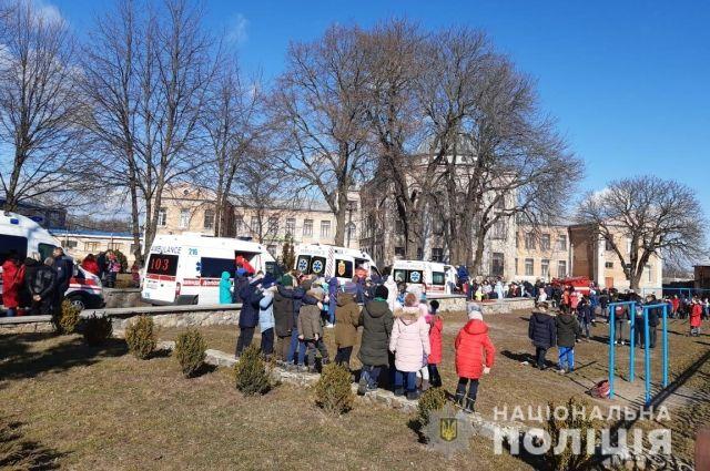 В Киевской области распылили слезоточивый газ в школе: детали инцидента
