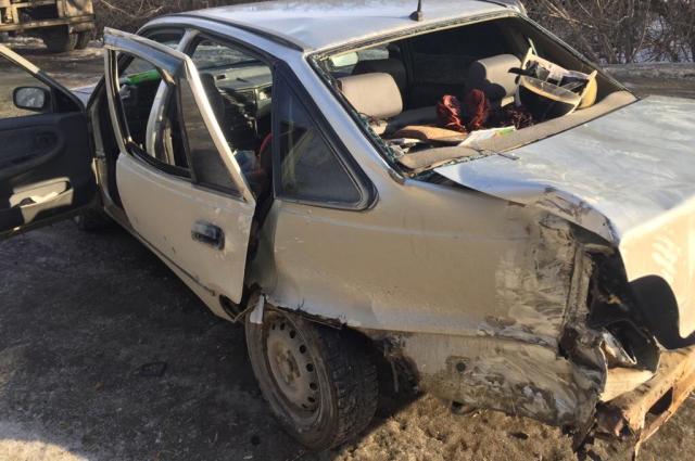 В столкновении МАЗа и «Нексии» под Вольском пострадали 3 человека