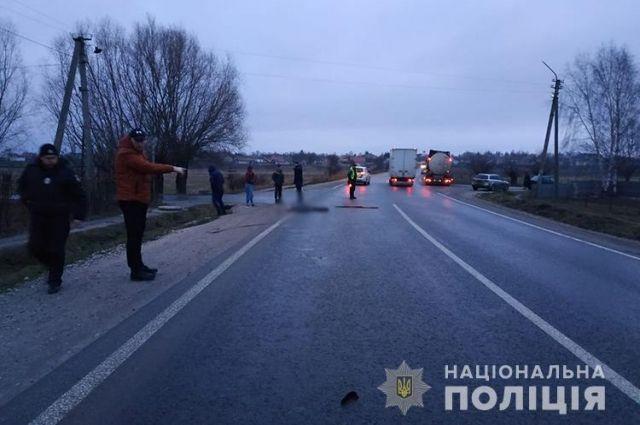 Сбил и оставил тело на дороге: на Тернопольщине ищут водителя-нарушителя
