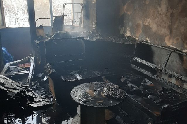 В Орске в одном из домов загорелась квартира