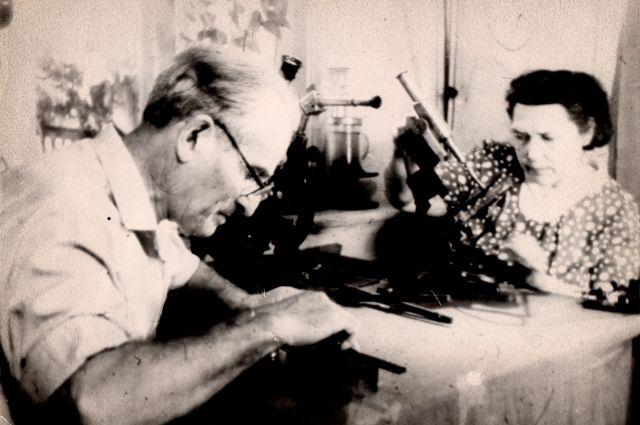 Семён Кирлиан занимался изобретательством вместе со своей супругой.