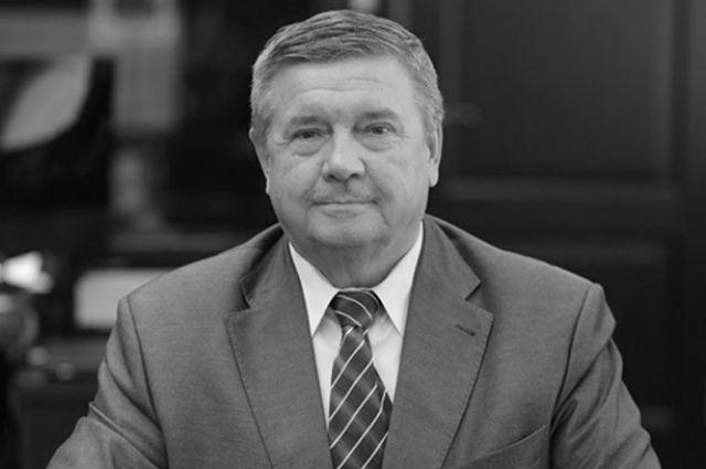 Юрий Филатов родился в 1950 году.