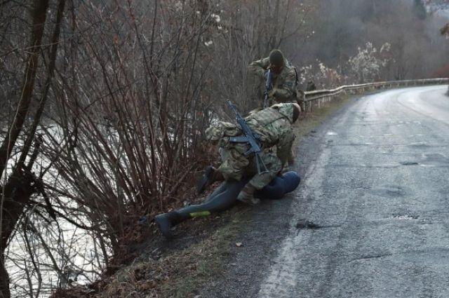 В Закарпатской области задержали водолазов с партией контрабандных сигарет