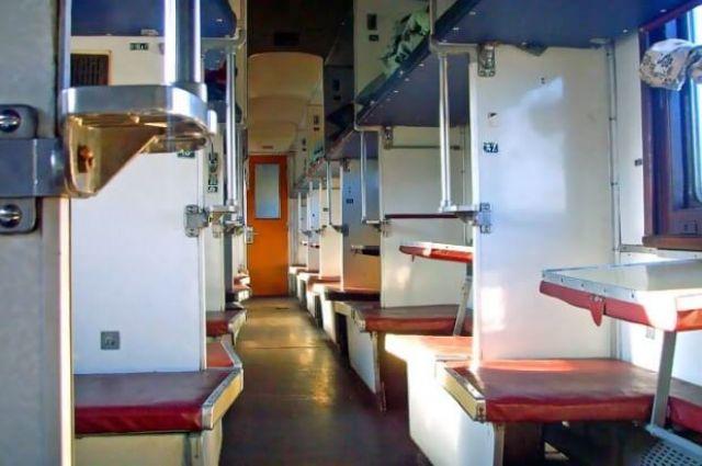 В поезде «Киев-Бердянск» упала полка и искалечила пассажирку