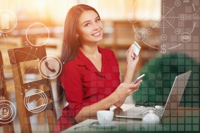 На сегодняшний день и потребительские кредиты, и кредитные карты банки выдают на любые цели.