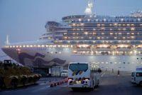 У троих пассажиров из России обнаружили коронавирус.
