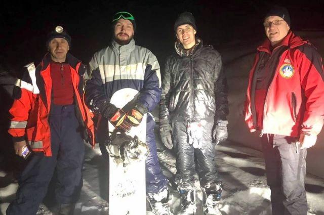 В Карпатах спасли заблудившихся сноубордистов