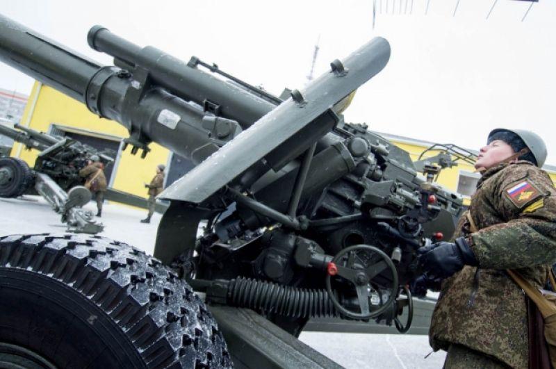 В артиллеристы берут только мужчин.