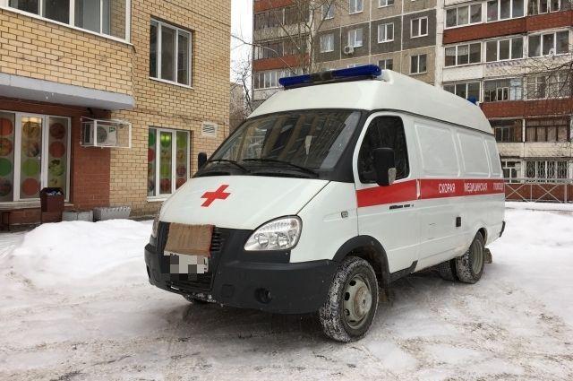 Пять человек доставлены в больницу.