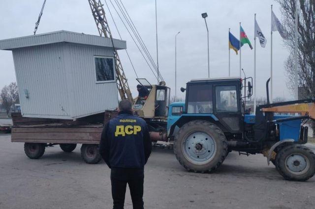 Полиция разоблачила два подпольных НПЗ и пять нефтебаз