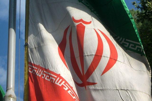 В ряде районов Ирана из-за коронавируса закрыли учебные заведения