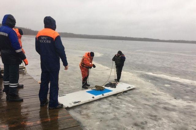 В Ленинградской области в озере утонули три рыбака