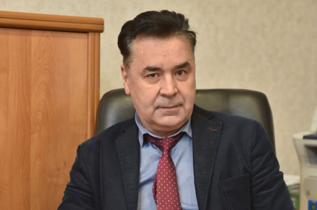 До ноября 2019 года Сергей Сверчков возглавлял Сибирский институт управления РАНХиГС.
