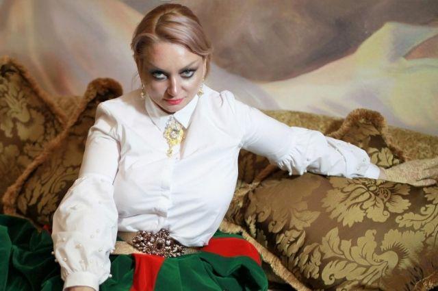 Жанна Прохорихина: Алена Водонаева в неглиже - трек нашей действительности