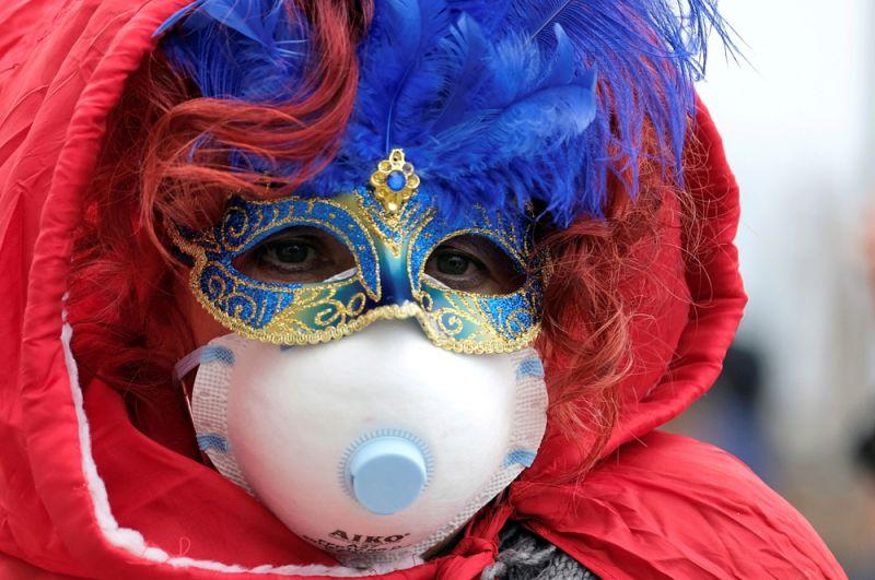 Участник Венецианского карнавала.