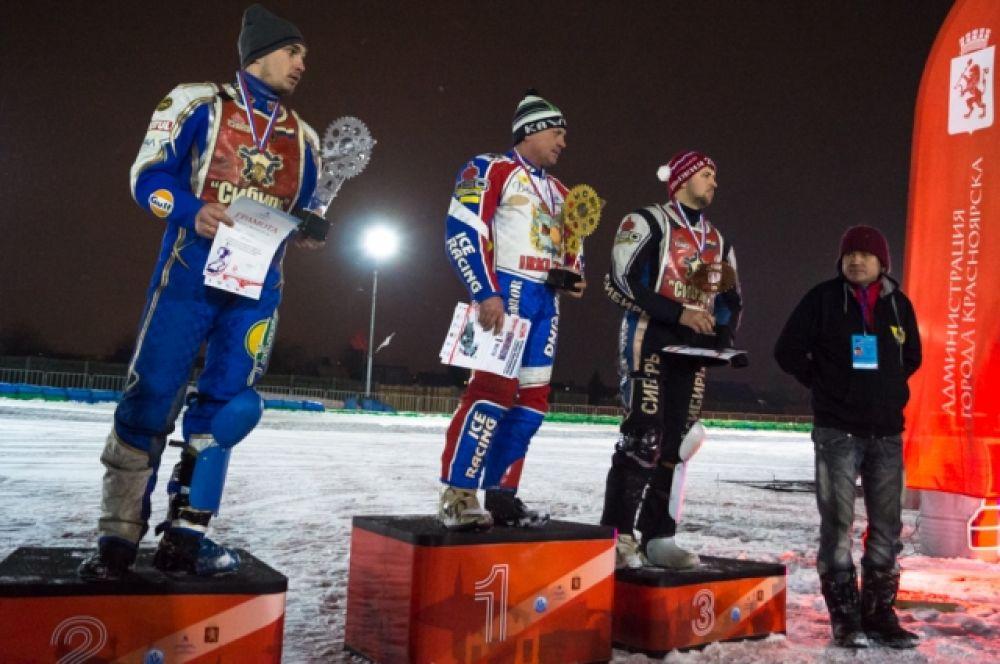 По итогам финальных заездов первое место занял Максим Барабошкин из Иркутска , второе -  новосибирец Иван Львов, замкнул тройку призеров еще один представитель Новосибирска Максим Корчемаха.