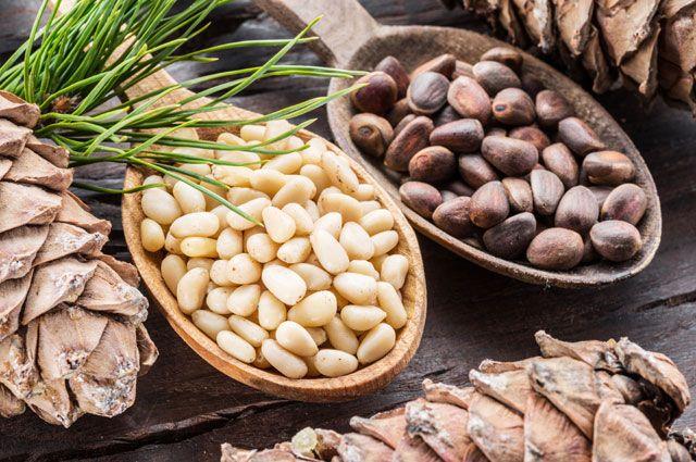 Кедровые орешки – один из продуктов, который собирается в России, но фасуется в Китае.