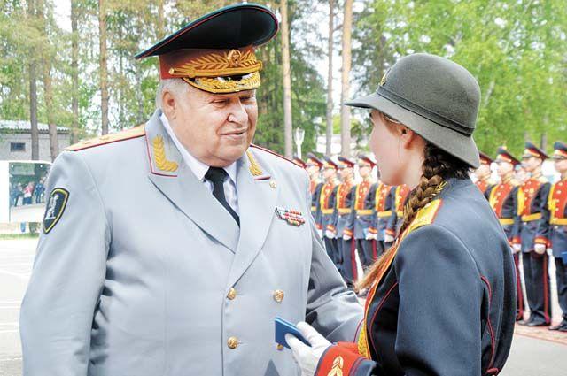 Владимир Сикерин: «Нужно служить Отечеству и народу, а не собственным прихотям и желаниям».