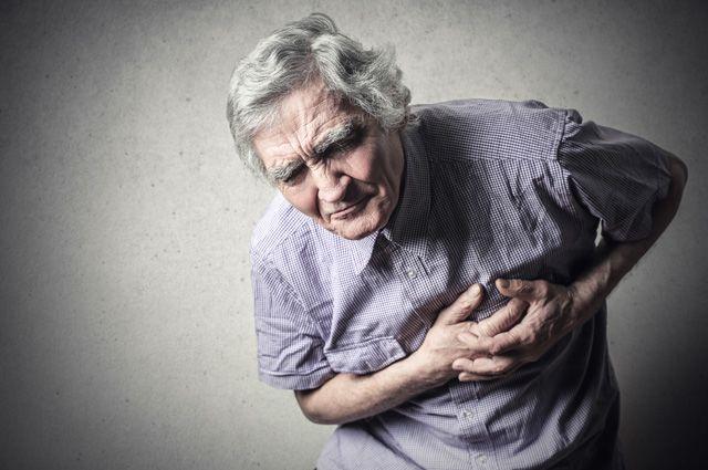 Бедность сопряжена с хроническим стрессом, переработкой и недосыпом. Это приводит к воспалению сосудов, в том числе и сосудов сердца, и, как следствие, к высокой заболеваемости сердечными недугами.