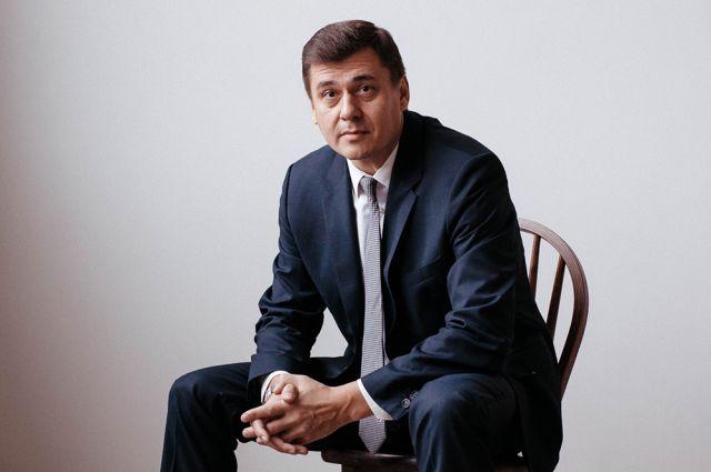 Олег Извеков.