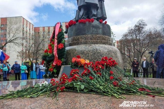 Несмотря на подвиги родителей, государство заставляет детей погибших защитников Отечества чувствовать себя обделенными.