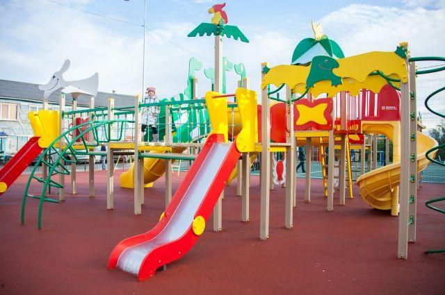 В Салехарде проверят немуниципальные детские площадки