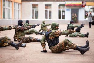 Один из плюсов обучения в колледже – начальная военная подготовка.