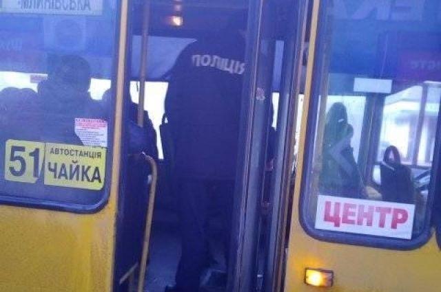 В Ровно подросток угнал маршрутное такси с пассажирами