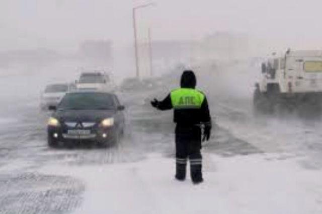Из-за снегопада ГИБДД призывает тюменцев снизить скорость на дорогах
