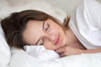 Медики заявили, что качество сна влияет на то, какую пищу мы потребляем