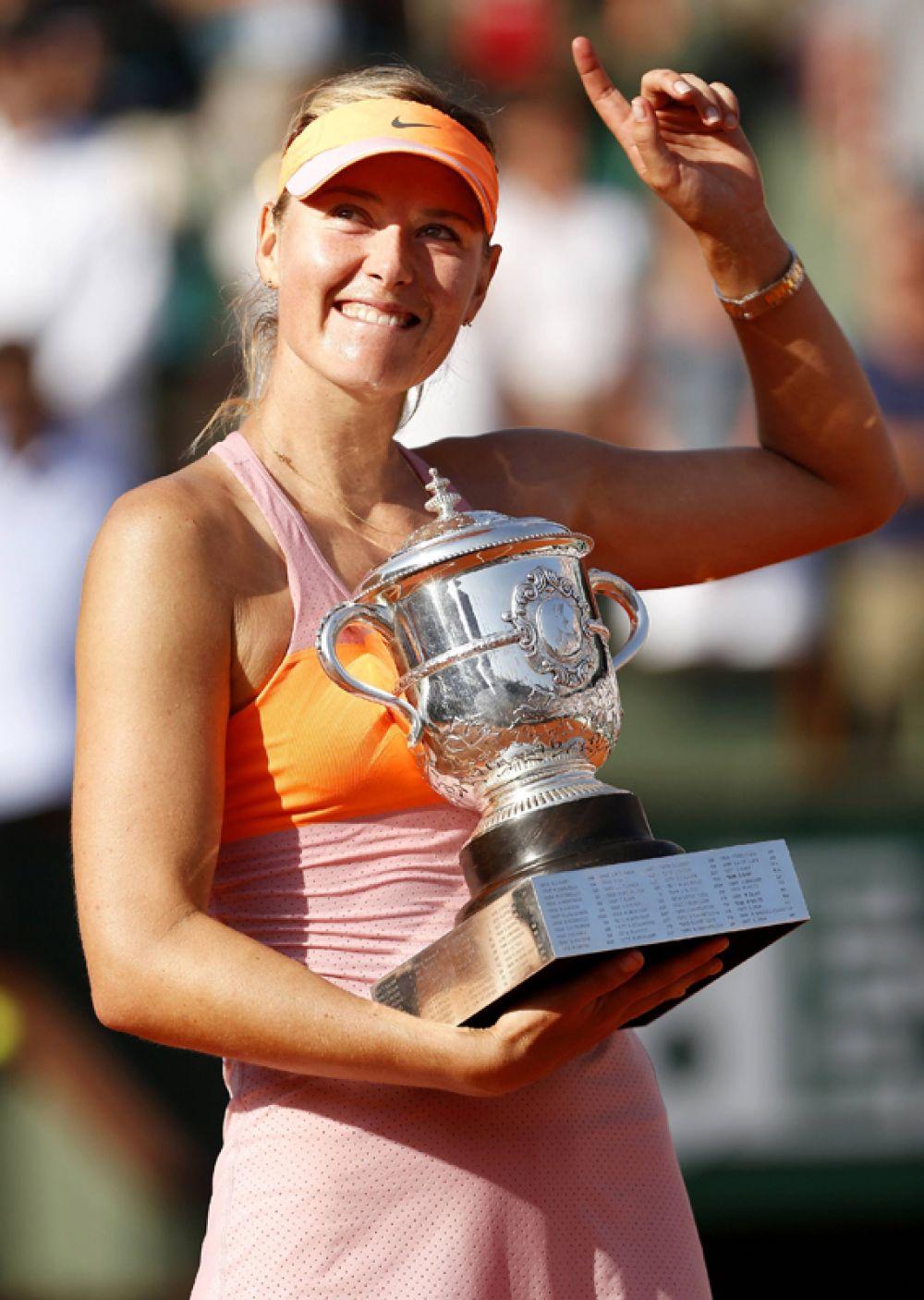 Мария Шарапова после победы на Открытом чемпионате Франции по теннису, 2014 год.