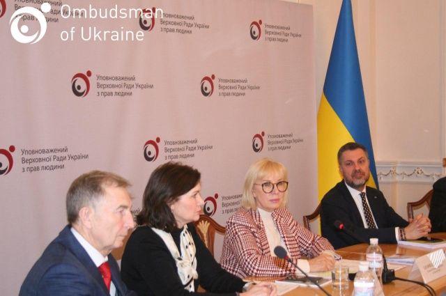В Украине долг по зарплатам превышает три миллиарда гривен, - Денисова