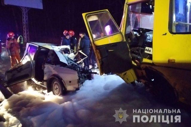 Во Льоовской области столкнулись два автомобиля, есть погибший