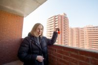 Собственники, наконец, получившие свои долгожданные квартиры.