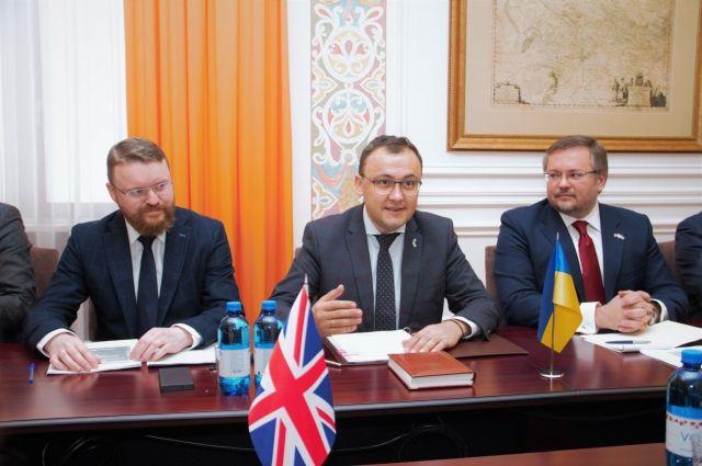 Украина и Британия начали переговоры о безвизовом режиме,- МИД
